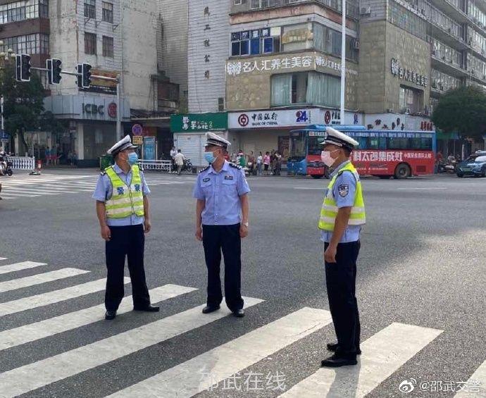 邵武公安交警護航2020年中考